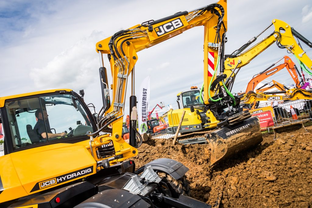 JCB HYDRADIG DEMONSTRATION
