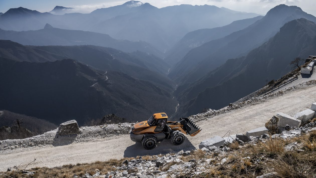 The-methane-powered-concept-wheel-loader-can-carry-out-high-speed-transport-in-a-variety-of-locations