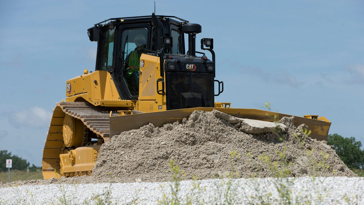 The wold's first high-drive D6 Dozer