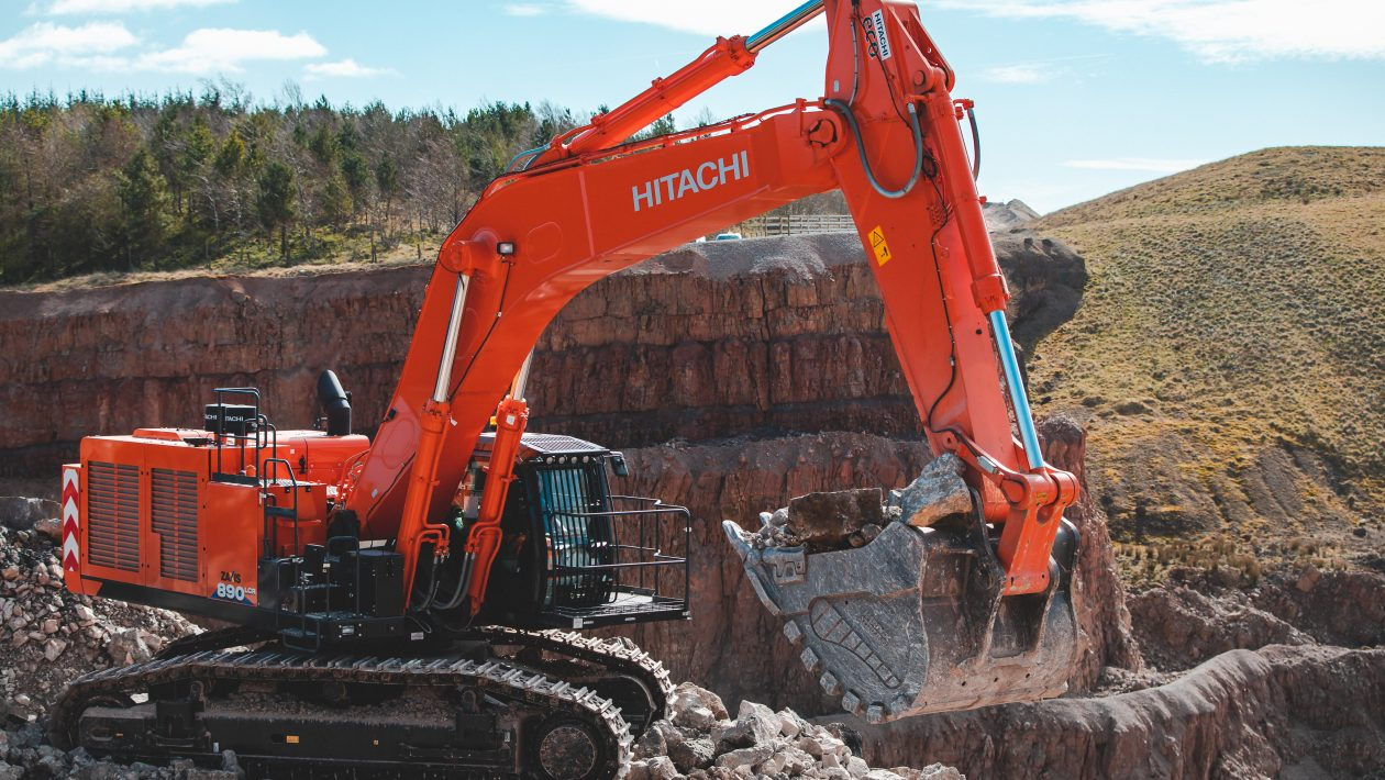 Hitachi ZX890LCR-6 at Shap Beck Quarry