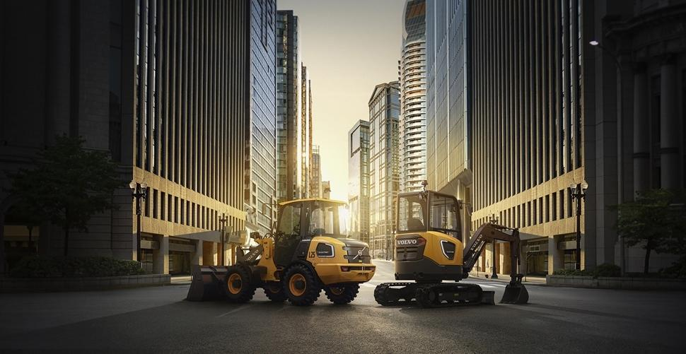 ECR25 Electric compact excavator and L25 Electric compact wheel loader