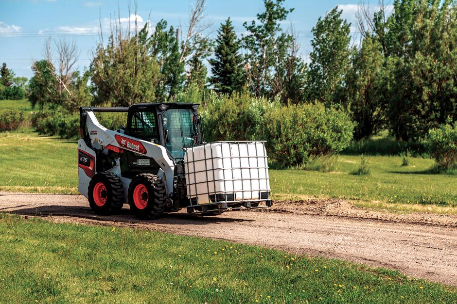 R-Series S76 Skid-Steer Loader